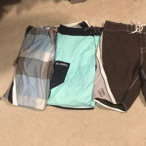 Men's Billabong 3pk Boardshorts. Size 34